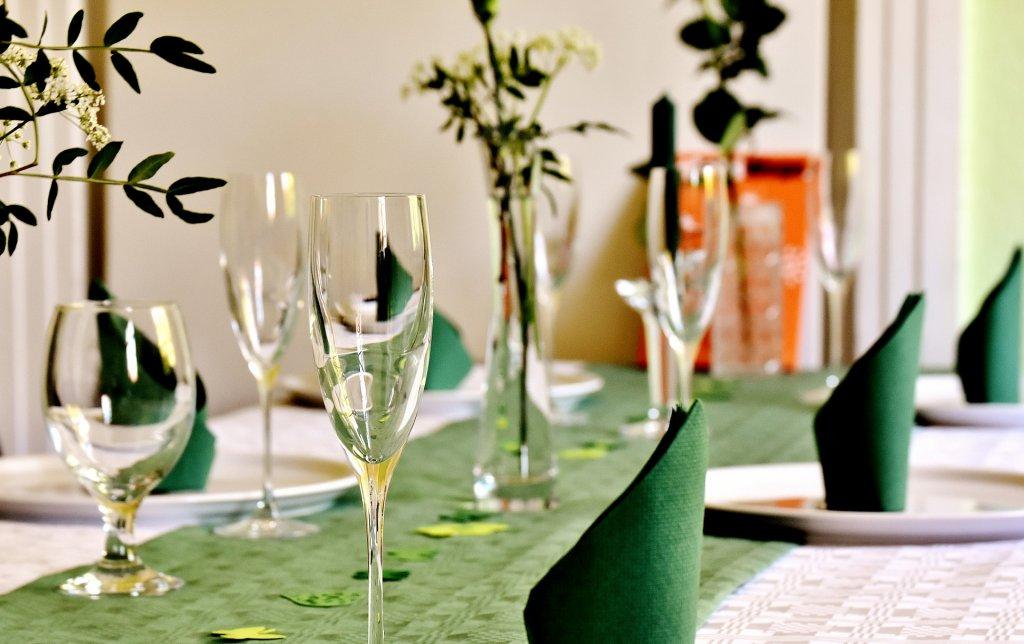 Jak wybrać catering na bankiet karnawałowy?