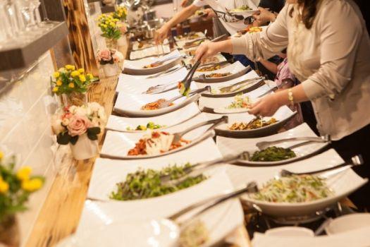Catering na konferencję – o czym warto pamiętać?